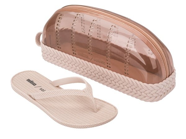 MELISSA BRAIDED SUMMER + SALINAS R$ 170
